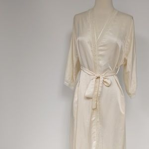 Christian Dior white robe with lace-sz S